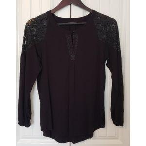 RW&Co Black Blouse w/ Lace Detail (sz M, blk)